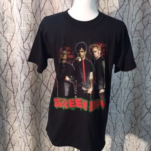 Green Day concert band tee 2010